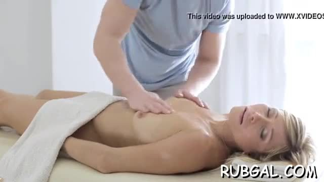 Exposed massage clips